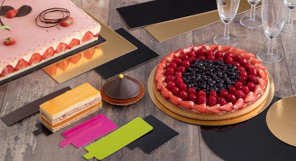 Support gâteau ou pâtisseries en carton ou en plastique rigide